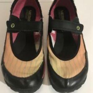 Merrell Barefoot Sz 6.5/EU 37 Mary Jane Black Pink